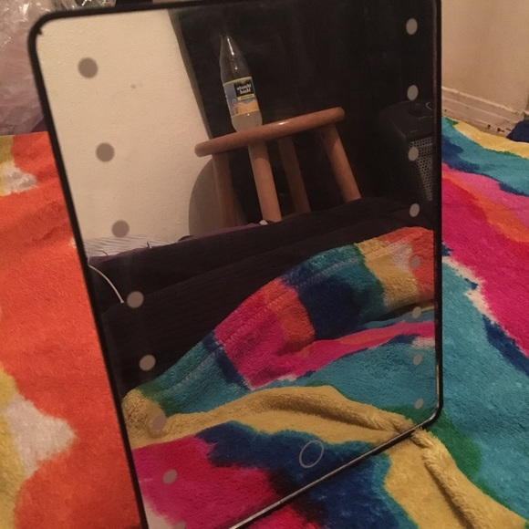 Other - Mini vanity mirror with lights